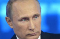 Владимир Путин в Самарканде почтил память Ислама Каримова