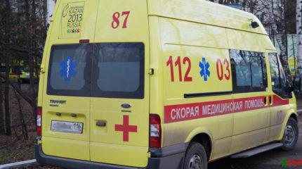 В Казани на улице Сахарова Volkswagen врезался в столб, погибли два молодых человека