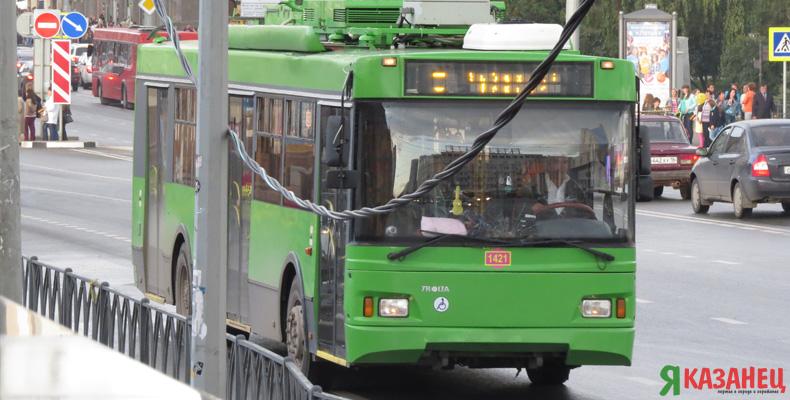 В трамваях и троллейбусах Казани проезд можно оплатить банковской картой