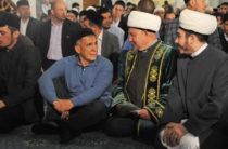 Президент Татарстана принял участие в праздничном намазе