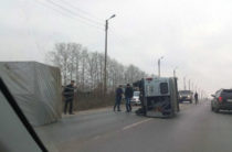 УАЗ с прицепом перевернулся на трассе в Альметьевске