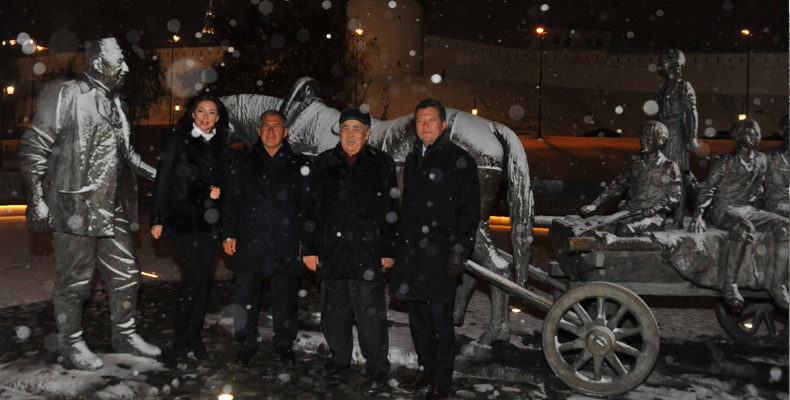 Шаймиев, Минниханов и Метшин прогулялись в сквере им. Асгата Галимзянова