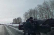 В Татарстане полицейские после погони задержали угонщиков (Видео)