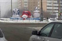 «Поникшие» Дед Мороз и Снегурочка из Казани стали героями соцсетей