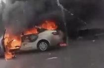 Под Казанью на дороге взорвалась Lada Vesta (Видео)