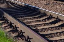 В Свердловской области под колесами поезда погиб 3-летний ребенок