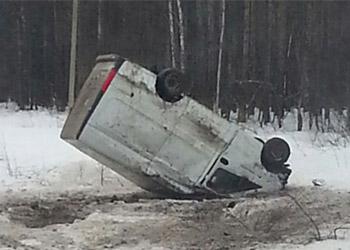 В Башкирии пьяный водитель на «Газели» опрокинулся в кювет