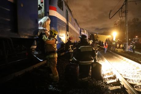 В москве столкнулись поезд и электричека