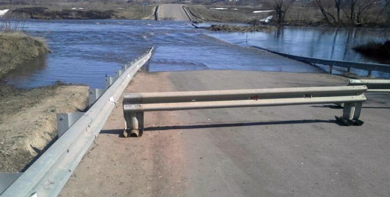 затопило мост с буинске