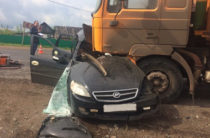 В Башкортостане на трассе Lifan врезался в грузовик, два человека погибли