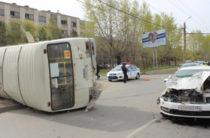 Из-за пьяного водителя иномарки в Челябинске перевернулся автобус с пассажирами