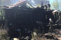 В Екатеринбурге четыре человека погибли на пожаре в частном доме