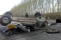 В Башкирии на трассе водитель такси погиб, столкнувшись с грузовой «Газелью»