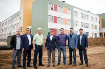 Ильсур Метшин проинспектировал ход строительства школы в ЖК «Седьмое небо»