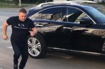 Неадекват на «Инфинити» напал на человека в Казани
