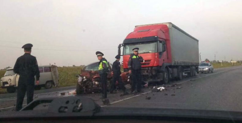 В Ульяновской области лоб в лоб столкнулись «Калина» и фура, водитель «Лады» погиб