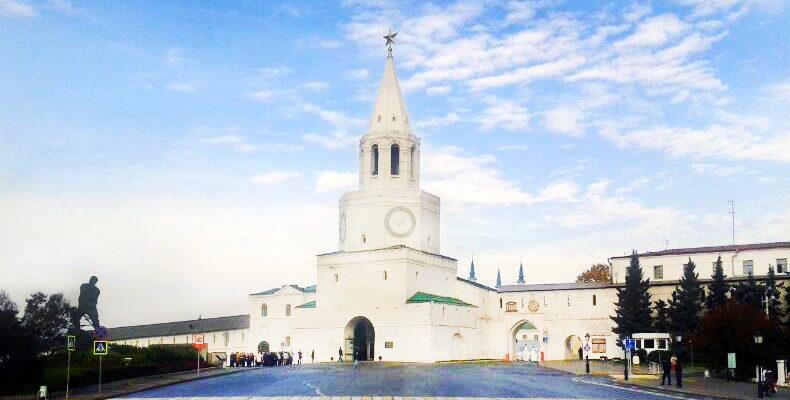 Казаньтройке самых красивых городов России для путешествий осенью