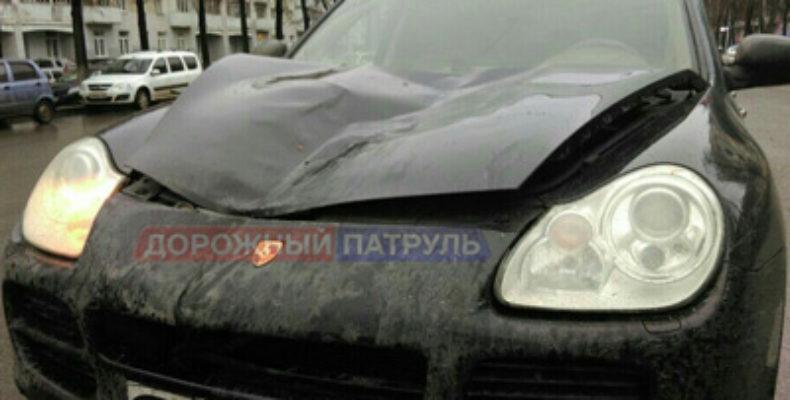 В Уфе утром водитель на Porsche Cayenne насмерть сбил пешехода