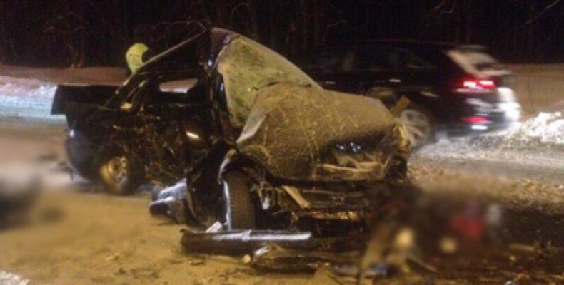 В Высокогорском районе Татарстана два человека погибли в массовом ДТП