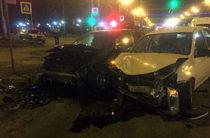 Три человека пострадали при столкновении «Гранты» и «Мегана» в Уфе