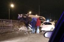 ВИДЕО: В Казани на Проспекте Победы водитель на Hyundai врезался в автоледи на Geely