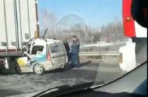 В Татарстане «Ларгус» залетел под фуру, водитель погиб