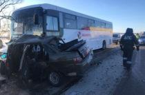 В Башкортостане столкнулись три автомобиля и автобус, один человек погиб