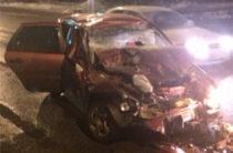 В Кирове 21-летний водитель на «Калине» погиб, врезавшись в грузовик