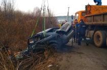 В Удмуртии водитель на Audi опрокинулся в кювет, погибли четыре человека