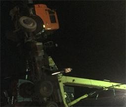 В Елабуге на сухогруз упал автомобильный кран (Фото)
