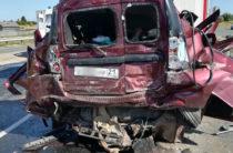 В Татарстане на трассе столкнулись два грузовика и «Ларгус», погибли четыре человека