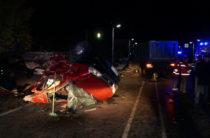 В Чувашии самосвал на «встречке» врезался в микроавтобус с пассажирами, погибли 12 человек
