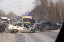 Серьезное ДТП в Дербышках: «Веста» врезалась в «Нексию»