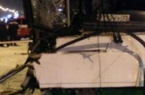 В Сыктывкаре лесовоз столкнулся с автобусом, пострадали более 20 человек