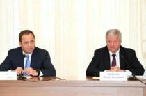 Игорь Комаров и Михаил Шмаков обсудили вопросы обеспечения стабильности в социально-трудовой сфере ПФО