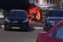 В ЖК «Изумрудный город» сгорела «Газель»