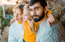 Семьи с детьми от 3 до 16 лет получат выплаты по 10 тысяч рублей на каждого ребенка
