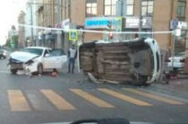 В Казани в результате столкновения перевернулась иномарка, есть погибший