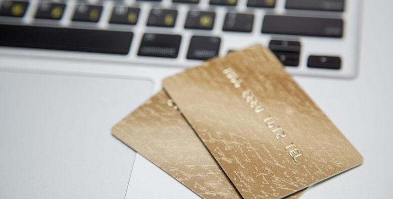 Исследование: Более 30% татарстанцев при нехватке денег используют кредитные карты