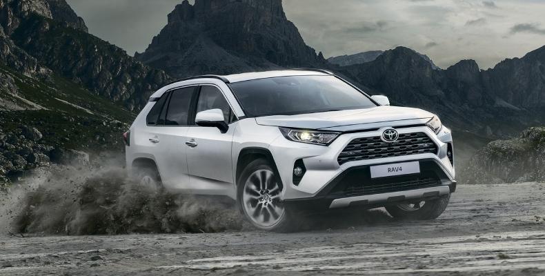 Новый Toyota RAV4 в России