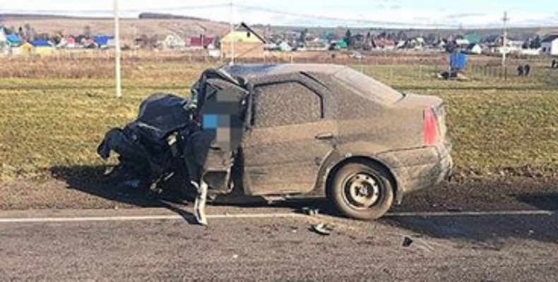 В Башкирии на трассе легковушка врезалась в пассажирский автобус, есть погибший