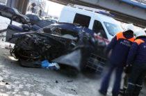 На проспекте Победы «Ауди» врезалась в бетонное ограждение, есть погибшие