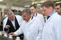 Минниханов обсудил с руководством завода «Аромат» производство дезинфицирующих средств