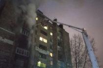 В Казани в многоэтажке горела квартира, один человек погиб, жильцы эвакуированы и расселены