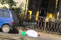 Соцсети: В Казани пожилая женщина умерла, увидев, что ее машину хотят эвакуировать