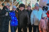Минниханов и Метшин покатались на коньках на катке в парке «Черное озеро»