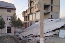 ФОТО: В Джизаке рухнула часть строящегося 6-этажного дома на улице Мустакиллик