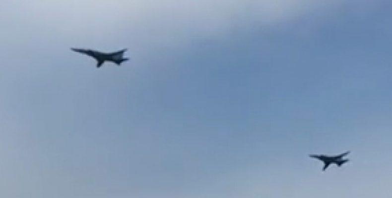 Над Казанью на низкой высоте пролетели самолеты