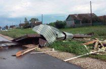 В Пестречинском районе ураган повредил дома и разрушил постройки (Фото)