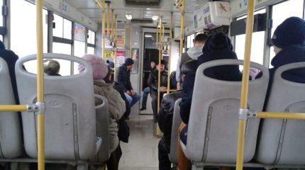 В Казани при падении в общественном транспорте пострадали два человека